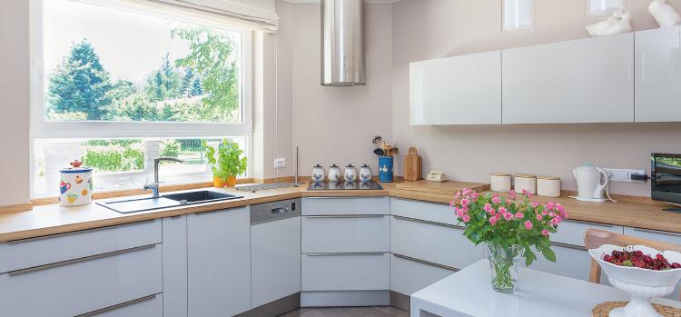 ¿Es mejor una cocina de concepto abierto o cerrado?